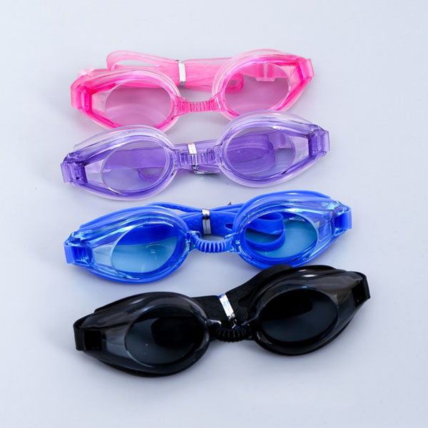 Bảo vệ mắt khi đi bơi vấn đề cần được quan tâm.