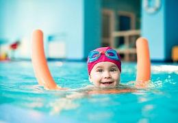 4 hướng dẫn quan trọng khi dạy kỹ năng bơi cho trẻ