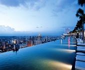 Các khách sạn có bể bơi đẹp nhất trên hành tinh