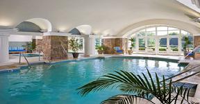 Gợi ý về thiết kế hồ bơi trong nhà